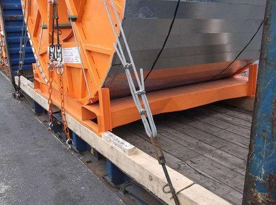 Cable drums on 20' flat rack